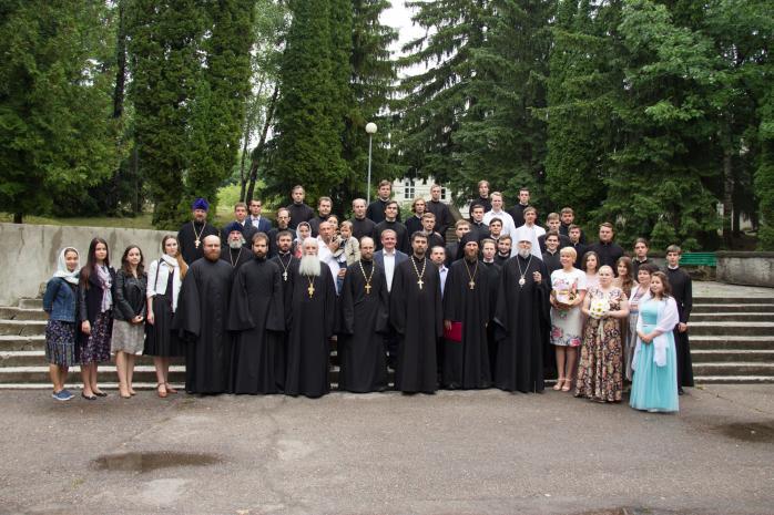 В семинарии прошли выпускные торжества
